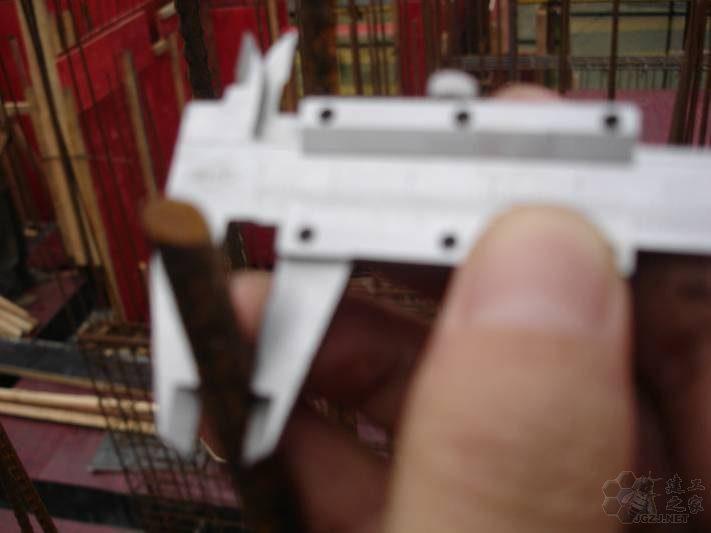 剪力墙钢筋三级钢直径8mm实测7mm.jpg