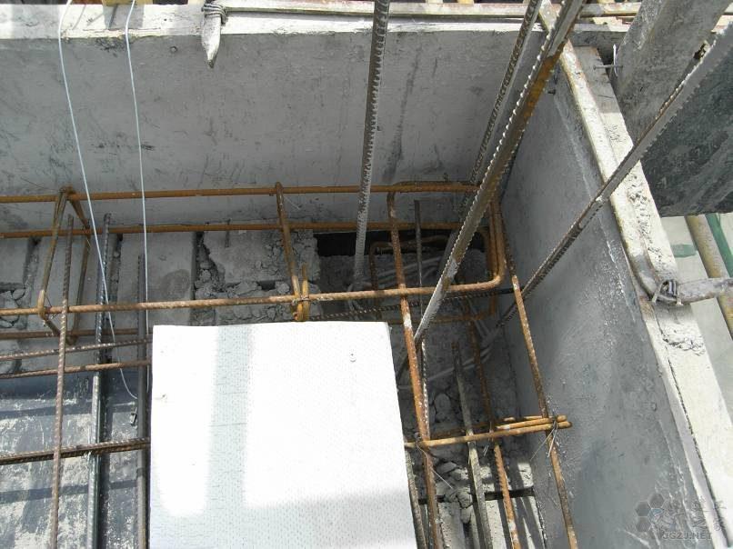 圈梁外侧钢筋在构造柱内搭接.jpg