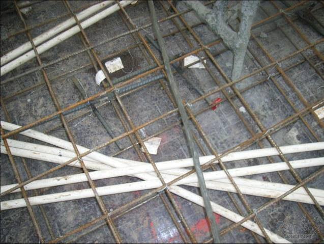 三层以上线管交叉敷设.jpg