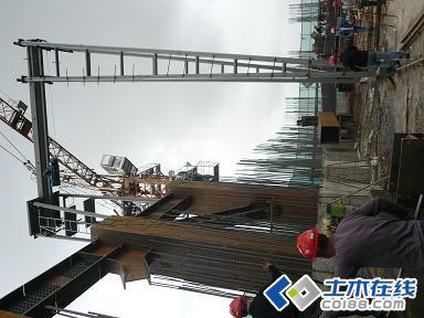 超高层建筑加强层钢结构施工图片
