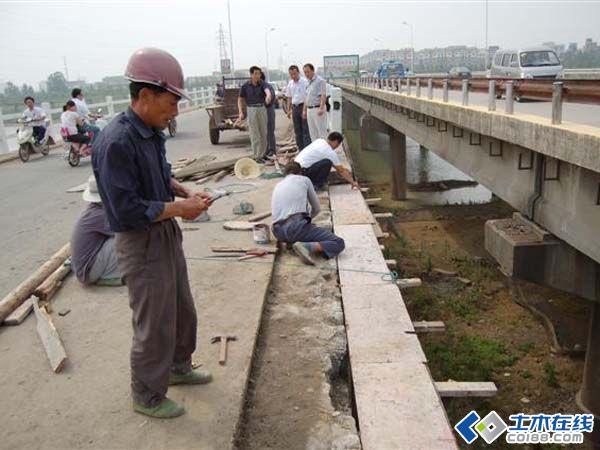 道路桥梁加固的维修和养护时间是如何确定的?