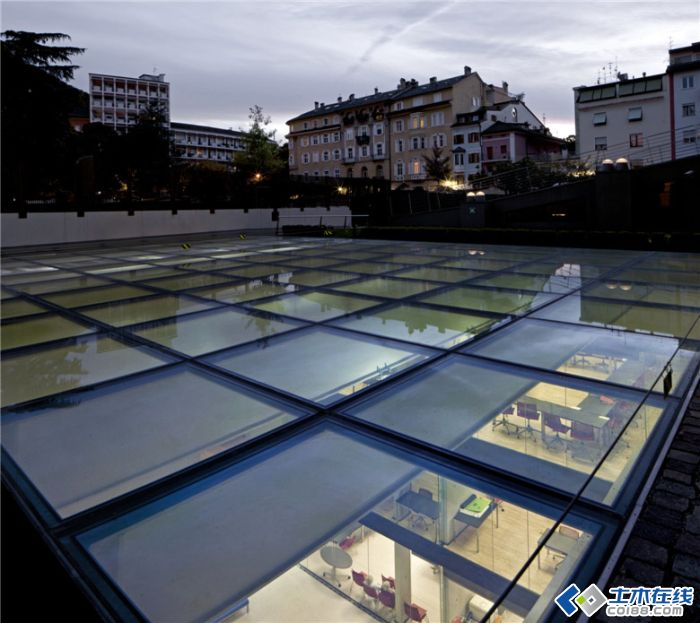 造价:6420000欧元   体积:11000立方米   占地面积:2030平方高清图片