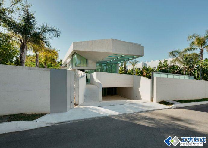 豪华的屋顶游泳池别墅建筑