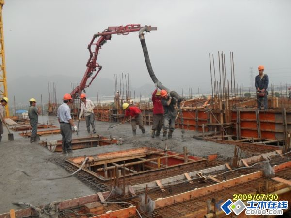 建筑工程施工   共1张立即查看 模板拆除时间没有按照规范要求做