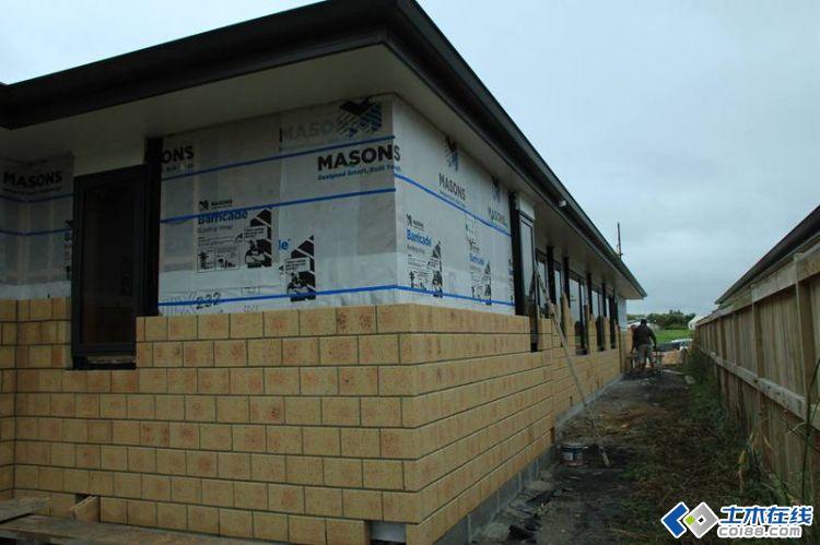農村自建房外墻瓷磚帶飄窗效果圖