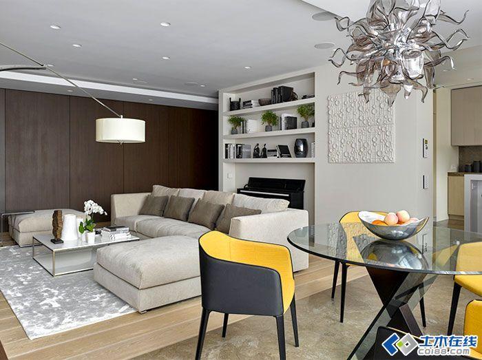 珠宝设计师的家,应该设计成什么样?奢华?浪漫?唯美?这个45平米的小空间,没有办法用一个形容词或者一简单的话语来概括。对空间的合理利用,对风格的自由混搭,造就出这一套让人羡慕的浪漫小户型。 5374890 没有完整意义上的客厅,一个抬高的区域,既可做休闲会客区,也可做学习阅读区。 5374891