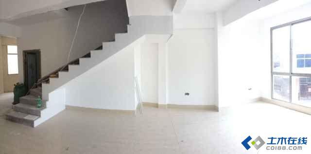 客厅梁多,柱多,还有楼梯,装修该如何处理?
