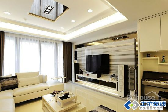 简约小客厅电视墙装修效果图8