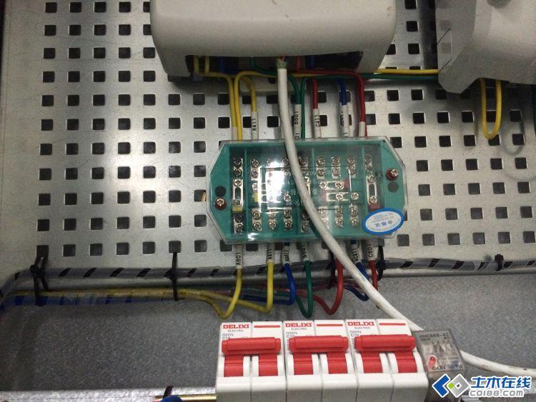 这个高压计量表的接线是怎么回事,高手指教图片