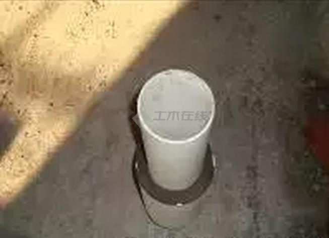 11、UPVC排水立管孔洞闭水格后进行二次浇砼找平   12、卫生间排水