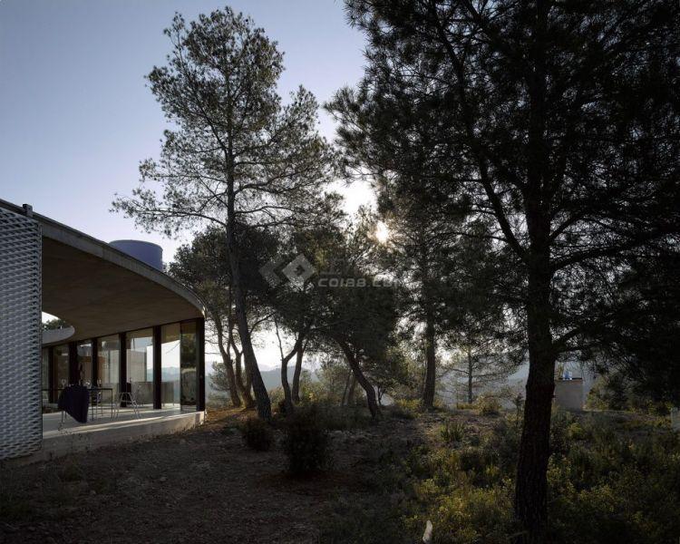 002-Solo-House-By-OFFICE-Kersten-Geers-David-Van-Severen-960x768.jpg