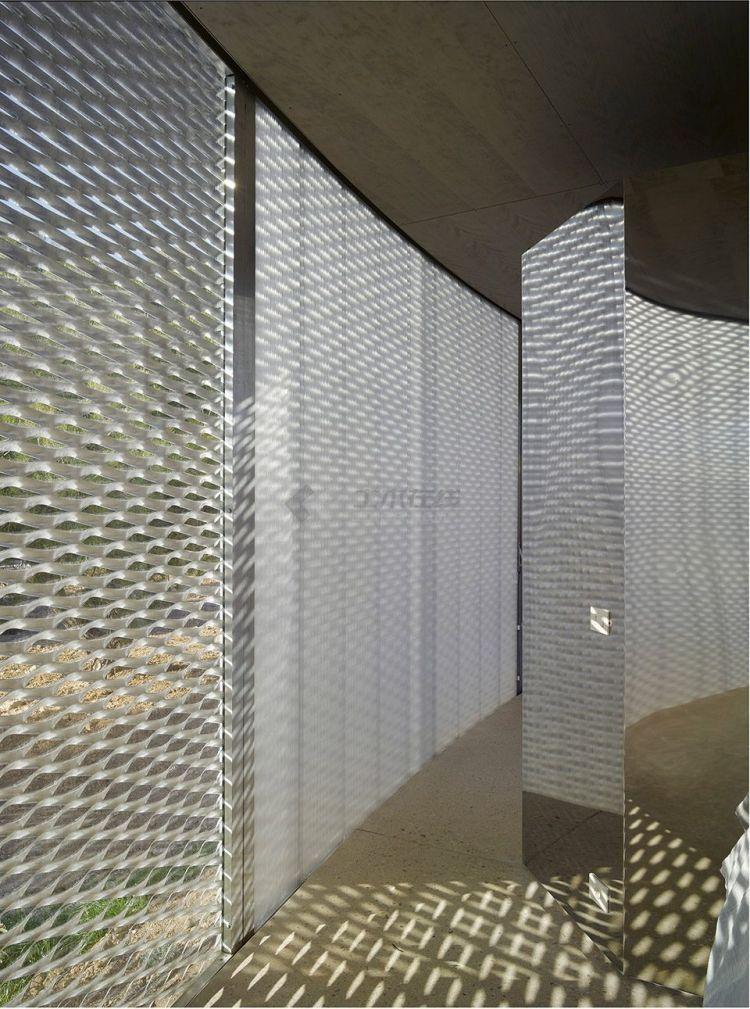 008-Solo-House-By-OFFICE-Kersten-Geers-David-Van-Severen-960x1291.jpg