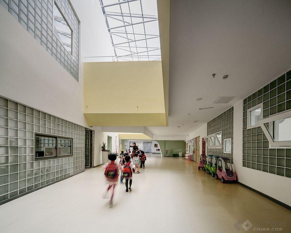 023-Vanke-Experimental-Kindergarten-China-by-Atelier-Liu-Yuyang-Architects-960x768.jpg