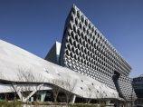 首尔纺织名企 Kolon办公楼,高技术材料编织节能表皮 / Morphosis_图1