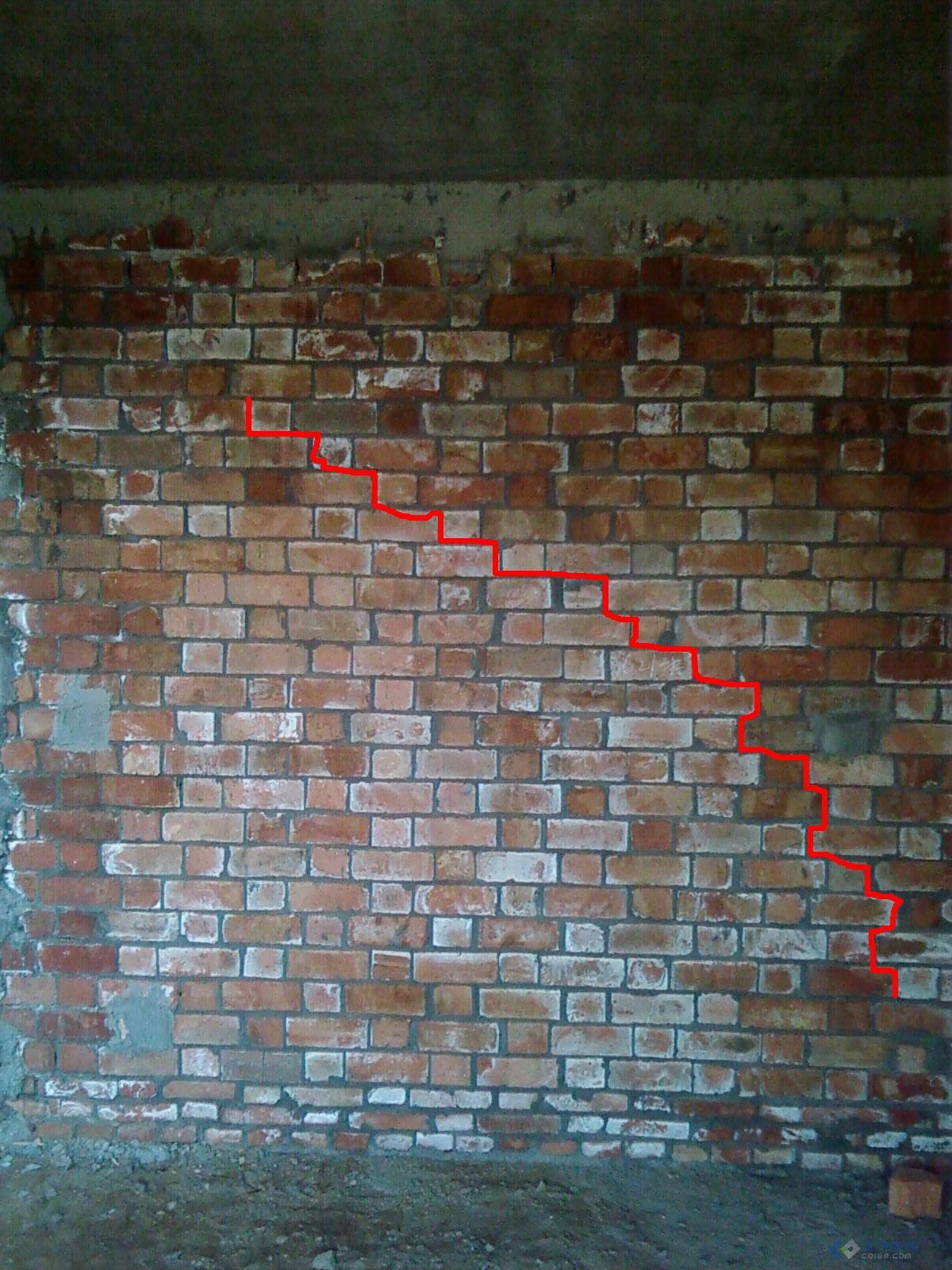 房子墙体出现裂缝_房子墙体出现裂缝交流分享