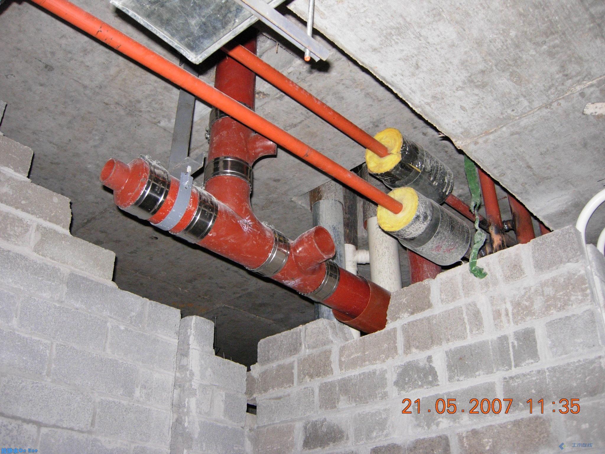 酒店客房卫生间给排水管道安装照片