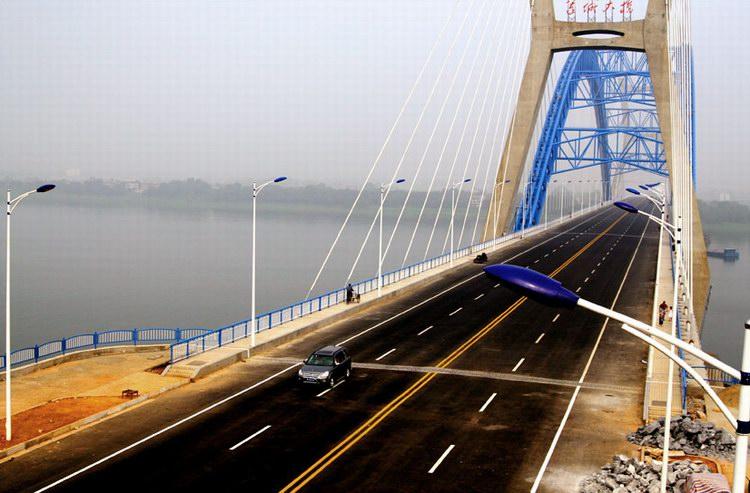 斜拉飞燕式系杆钢管混凝土拱桥