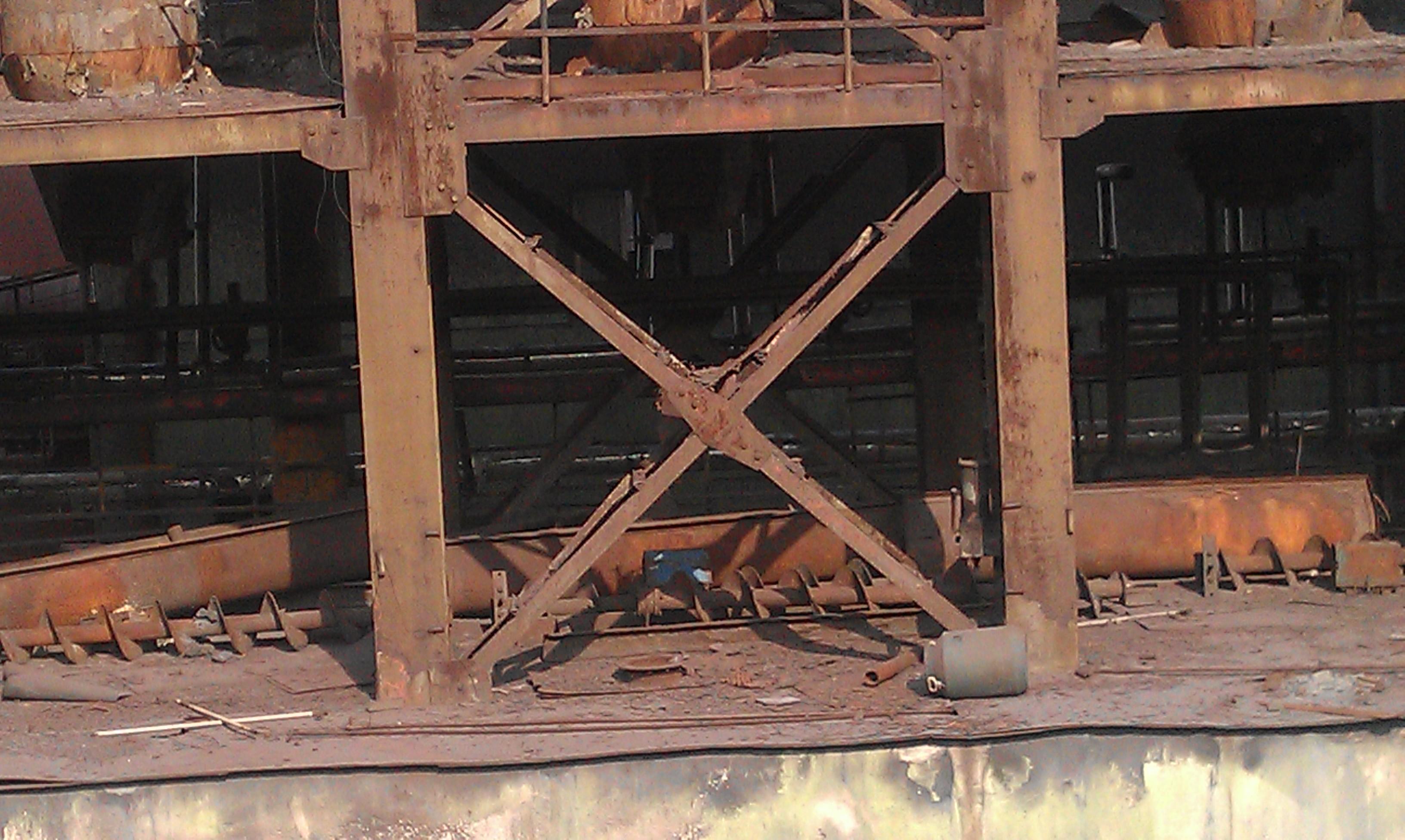 除尘器钢架带底部砌体结构照片