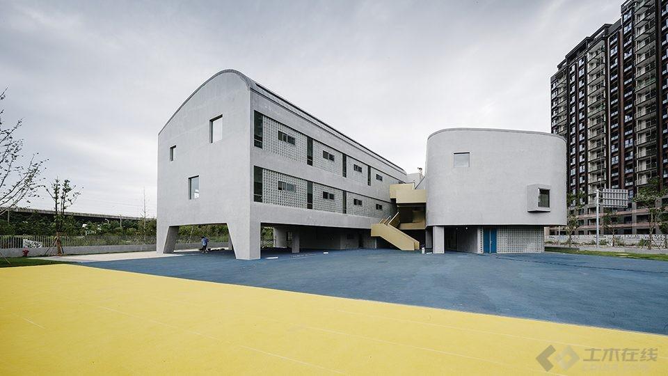 011-Vanke-Experimental-Kindergarten-China-by-Atelier-Liu-Yuyang-Architects-960x540.jpg
