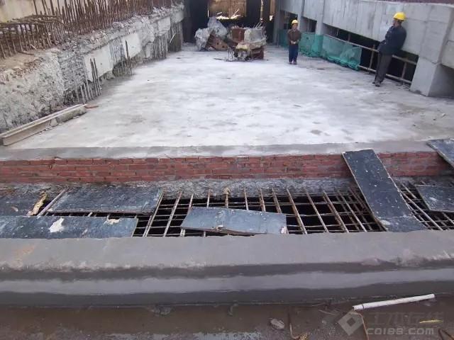 暴雨来袭,如何做好雨期施工及防汛专项措施!