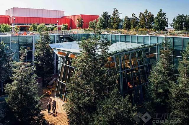 【早安建筑】Facebook新总部大楼建成,这才是真正的花园办公