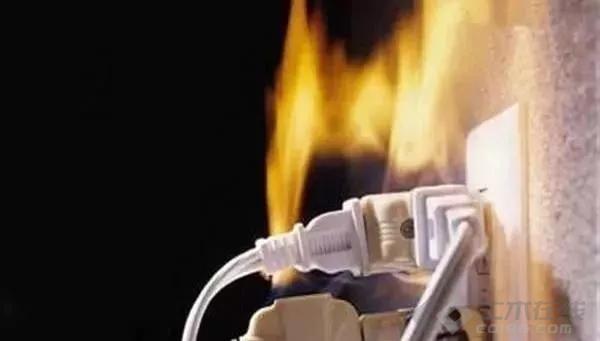 【电气学院】为什么电线都燃了,空开却不跳闸?
